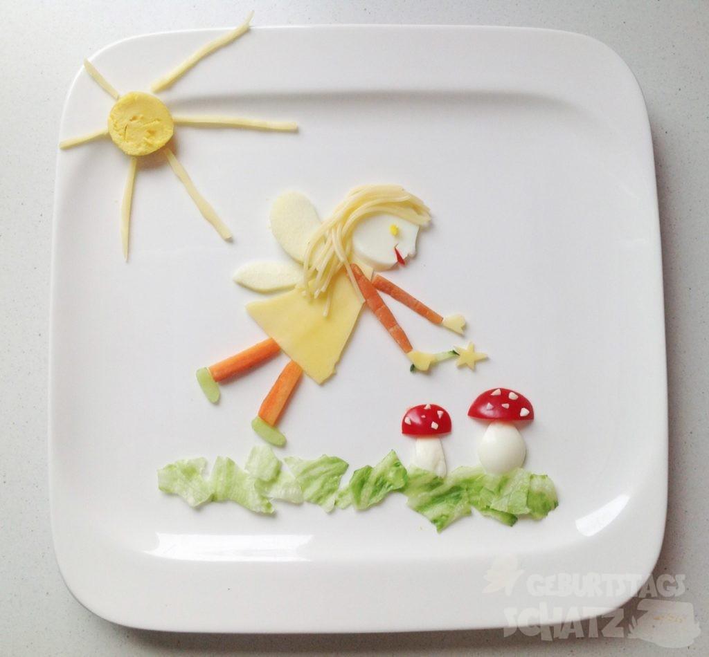 Fee aus Gemüse, Käse, Ei und Spaghetti.