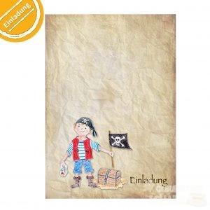 """Auf einem vergilbten, zerknülltem Papier steht ein kleiner gezeichneter Pirat. In der einen Hand hält er eine Schatzkarte, in der andere eine Piratenflagge. Neben ihm steht unten rechts """"Einladung"""". Symbol oben links: Halber Kreis mit Text """"Einladung""""."""